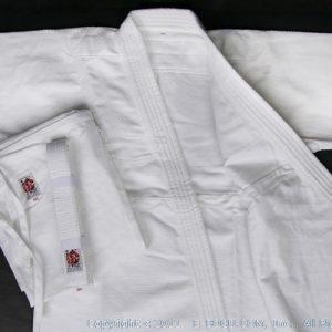 tak-aik-uni-a550g-white-all-3